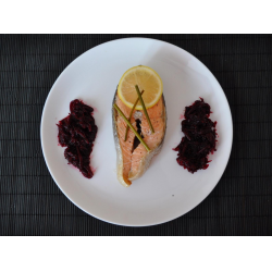 Рецепт: Рыбные стейки на пару с лимоном и стеблями укропа