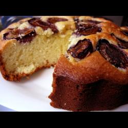 Сливовый пирог со сметаной