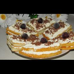 Рецепт: Бисквитное пирожное из готовых коржей