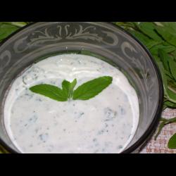 Рецепт: Йогуртово-мятный соус