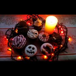Рецепт: Шоколадно-кофейные кексы с украшениями из мастики