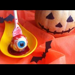 """Рецепт: Кейк-попсы """"Кровавые глаза"""" к Хэллоуину"""