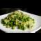 Фото Тушеные брокколи с зеленым горошком