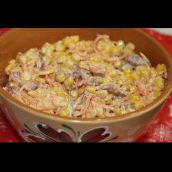 Рецепт: Салат с корейской морковью и кукурузой
