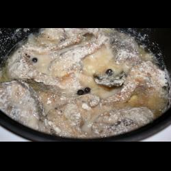 Рецепт: Щука в сметанном соусе