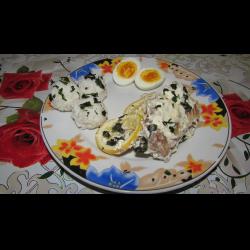 Рецепт: Тушеная рыба в сметане, с рисом и яйцом