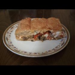 Рецепт: Пирог с баклажанами, перцем и фета (мелитзанопита)
