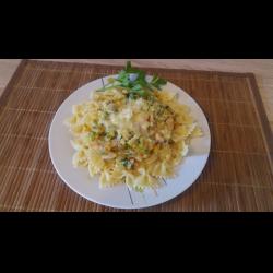 Рецепт: Макароны с овощами в сливочно-сырном соусе