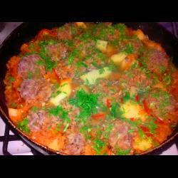 Рецепт: Тефтели в овощном соусе