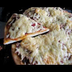 Рецепт: Пицца с маринованными томатами