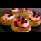 Фото Ягодные тарталетки с начинкой из черной смородины и клюквы