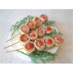 Рецепт: Шашлычки из сосисок и лаваша