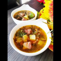 Рецепт: Суп с касслером и морской капустой