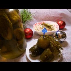 """Рецепт: Огурцы маринованные для новогоднего """"Оливье"""""""