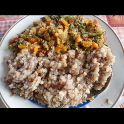 Рецепт: Каша гречневая с овощами и брокколи