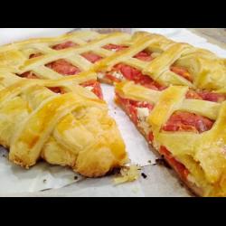 Рецепт: Сырный пирог с помидорами