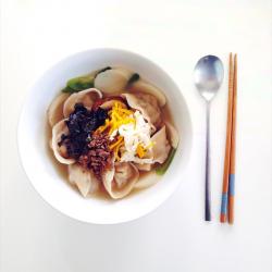 Рецепт: Кимчи пельмени и рисовый суп