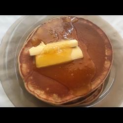Рецепт: Панкейки с медом и сливочным маслом