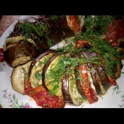 Рецепт: Баклажаны запеченные с помидорами и сыром